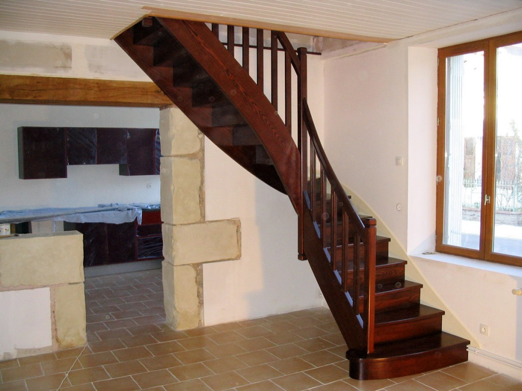 pose escalier le mans. Black Bedroom Furniture Sets. Home Design Ideas