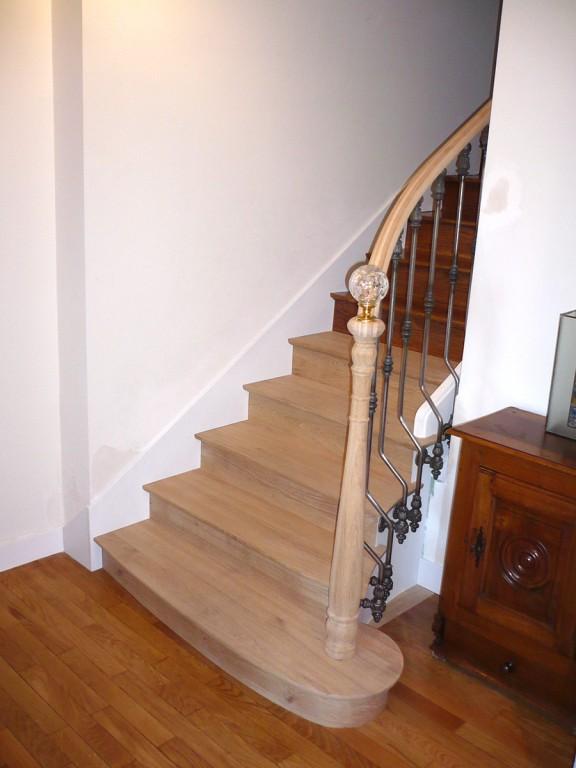 restauration escalier le mans. Black Bedroom Furniture Sets. Home Design Ideas